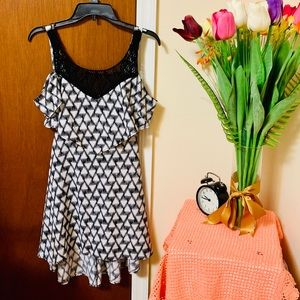 Macy's mini dress 😊✨black and white material girl
